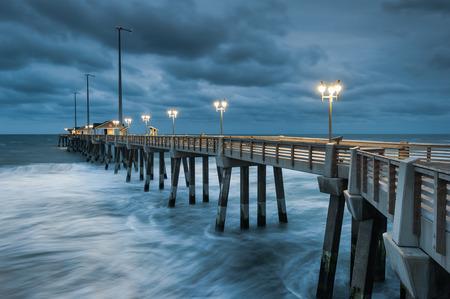 nags: Muelle de pesca de Carolina del Norte Outer Banks Nags Head