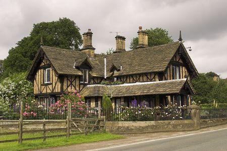 English Country Cottage Фото со стока