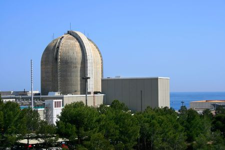 Central nuclear de la mar en Vandellós (Tarragona, España)  Foto de archivo - 1222477