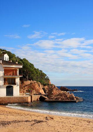 costa brava: Belle plage de Tamariu (Costa Brava, Catalogne, Espagne)