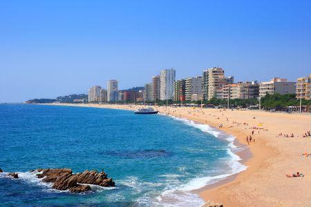 costa brava: Platja d'Aro plage, bien connu destination touristique (Costa Brava, Catalogne, Espagne)