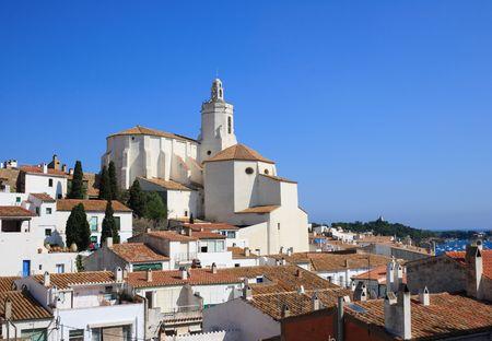 costa brava: L'�glise de Santa Maria, construite au 17�me si�cle (Cadaques, Costa Brava, Espagne)