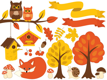 amanita: Vector autumn forest set. Set includes red fox, owls sitting on branch, snail, amanita, trees, leaves, birdhouses and berries. Vector autumn forest set. Forest animals and plants vector Illustration
