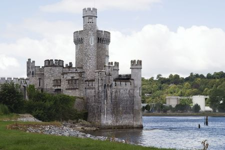 ufortyfikować: Blackrock Castle nad rzeką Lee, Cork, Irlandia.