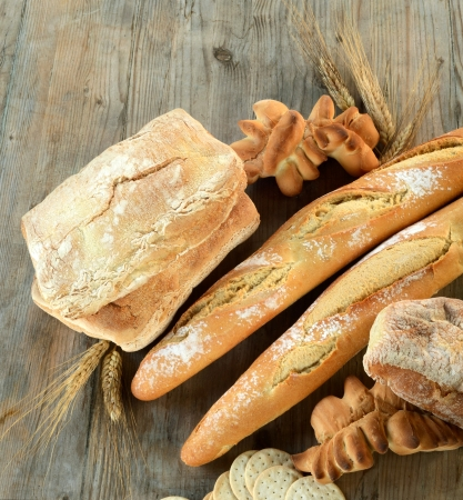 bread on table wood Stock Photo - 14040640