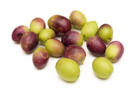 agri: Fresh olives isolated on white
