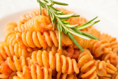 salsa de tomate: Fusilli with tomato sauce
