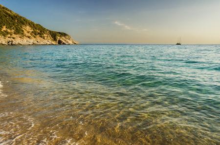 Solanas praia, Sardenha, Itália Foto de archivo - 85079581