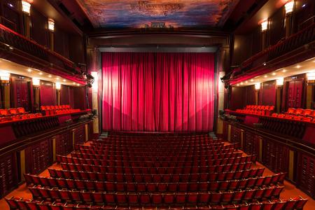 een oude theaterzaal