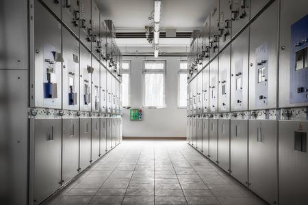 een elektrische station control room, het opbouwen van binnen Redactioneel