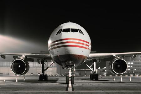 avondlicht vliegtuigen