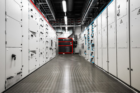 tablero de control: El�ctrica cuarto de control de amperaje Foto de archivo