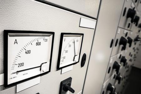 Contrôle d'intensité électrique Banque d'images - 29811563