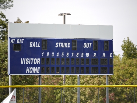 A image of a empty baseball score board .