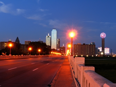 commerce: A image of the Dallas Texas skyline at dusk taken from the Commerce street viaduct. Editorial