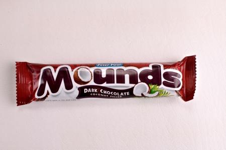 Een imageof een Mounds Donkere chocolade reep van Peter Paul.