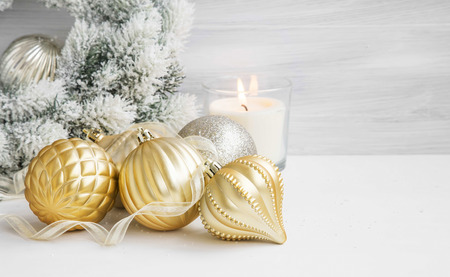 christmas scent: Golden Festive Globes and Ribbon for Christmas Tree, Scent Burning Candle and Snowy Wreath