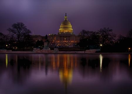 새벽에 미국 국회 의사당 스톡 콘텐츠