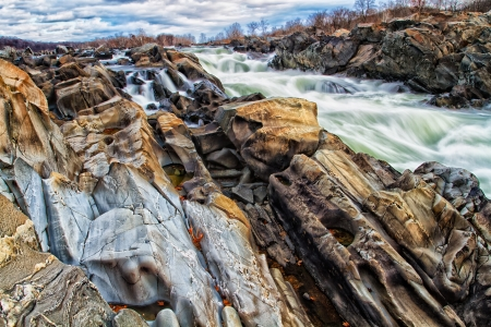 river scape: Great Falls Park on the Potomac River