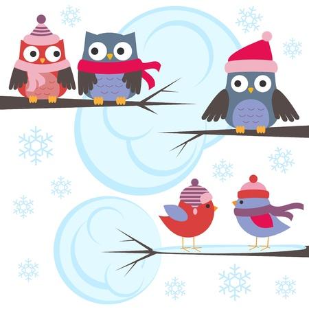Eulen und Vögel im Winterwald. Vector set Vektorgrafik