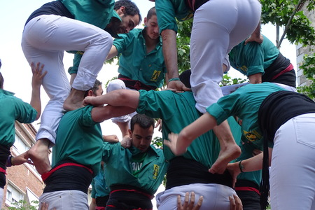 girdle: Castellers, human tower from Catalonia, Spain, May 7 2017 Cardedeu Editorial