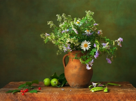 Still life with wildflowers and red currants photo