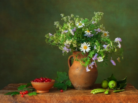 currants: Still life with wildflowers and red currants
