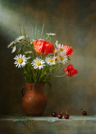 chamomile flower: Still life with poppies and daisies