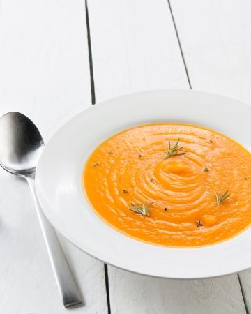 soup spoon: crema di zucca fatti in casa con le erbe