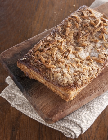 greaves: Delicious puff pastry with almonds, sugar and greaves