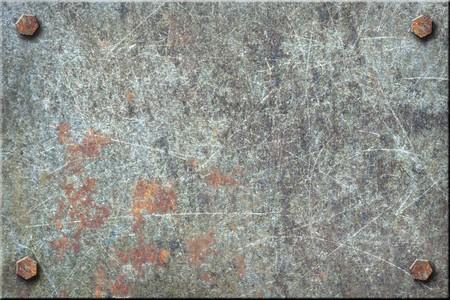 schrauben: Dirty, stark verkratzt Metallplatte mit Schrauben. Lizenzfreie Bilder