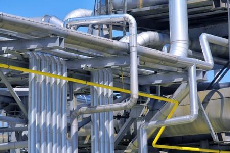 Raffinerie Rohrleitungen  Lizenzfreie Bilder