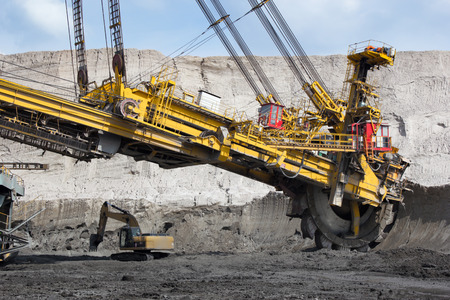 coal mining: Coal mining in open-cast mine