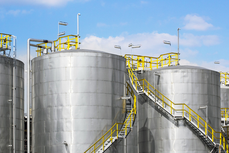 steel: Storage tanks