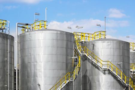 industria quimica: Tanques de almacenamiento