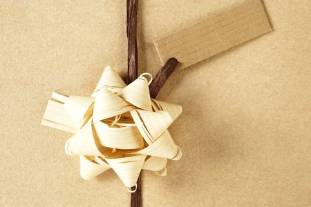 copys pace: Beautifully naturally wrapped gift with blank label and copy space.