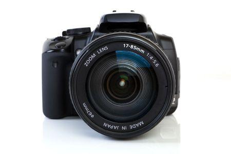 reflex: Digitale unica fotocamera Reflex su sfondo bianco.  Archivio Fotografico