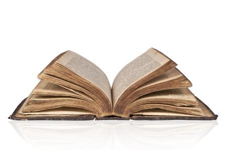 bible ouverte: Old ouvre bible antique isol� sur fond blanc Banque d'images