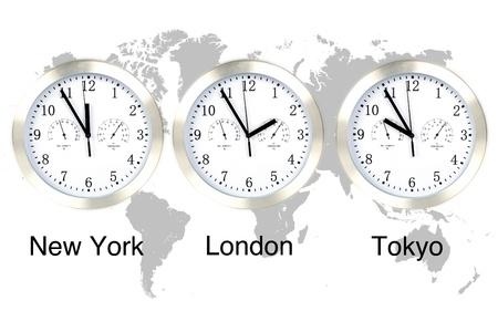 Zonas de tiempo del mundo. Tiempo en Londres, Nueva York y Tokio, tres relojes contra el mapa del mundo gris.  Foto de archivo