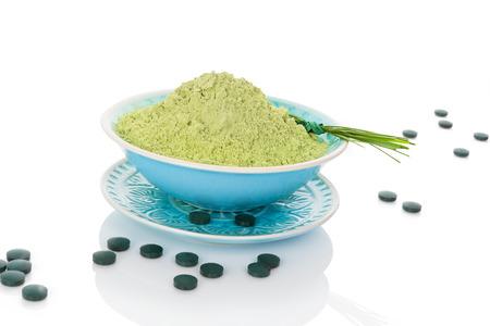 spirulina: Spirulina, chlorella, barley and wheatgrass. Green supplement, superfood detox.