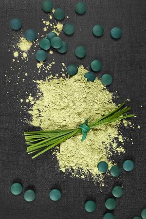 spirulina: Chlorella, spirulina and wheatgrass