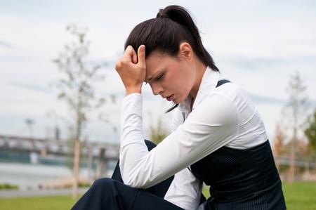 Cier: Depresja - kobieta mÅ'odych biznesowych Zdjęcie Seryjne
