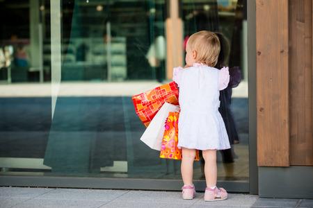 shop window: Baby at shop window