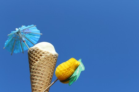 Ice bag in front of blue sky Stockfoto