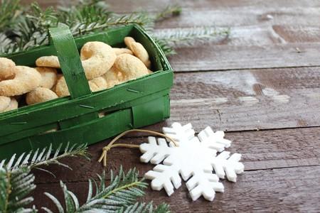 Vanilla kipper in a green basket and a snowflake