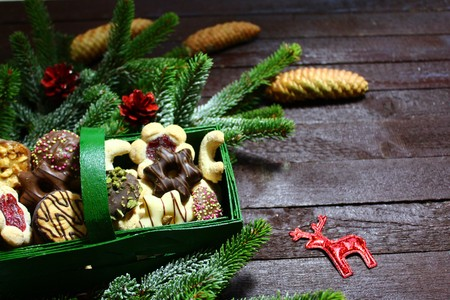 Christmas decoration with yummy christmas cookies 写真素材 - 113276156