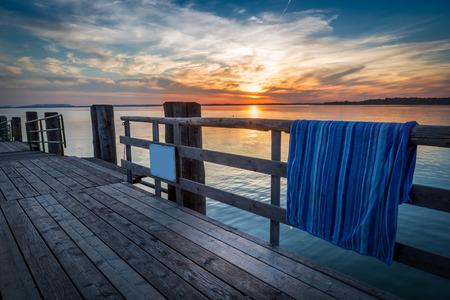 sundown pier photo
