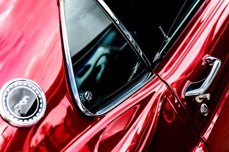 1960 Ford Mustang rojo Editorial