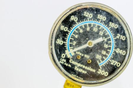 compression tester gauge with white text on a black face Reklamní fotografie