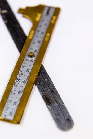 真鍮と銀の測定ツール